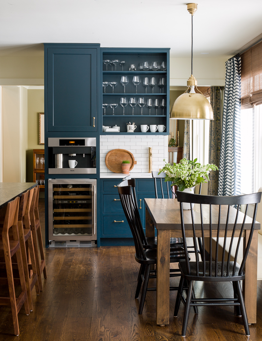 A navy blue kitchen reveal
